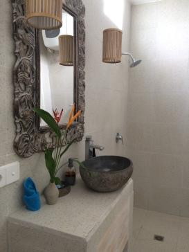 Jepun suite enclosed ensuite bathroom w