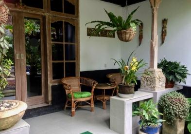 Sandat suite private entrance and veranda.