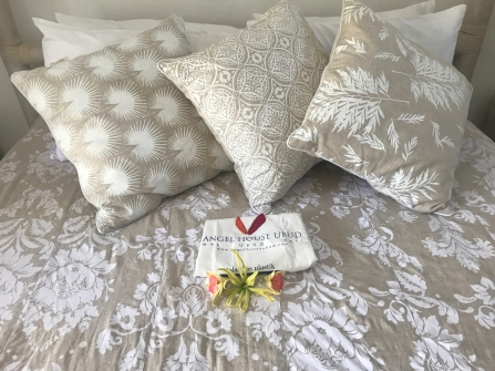 All guest suites have quality linens and a free gift.