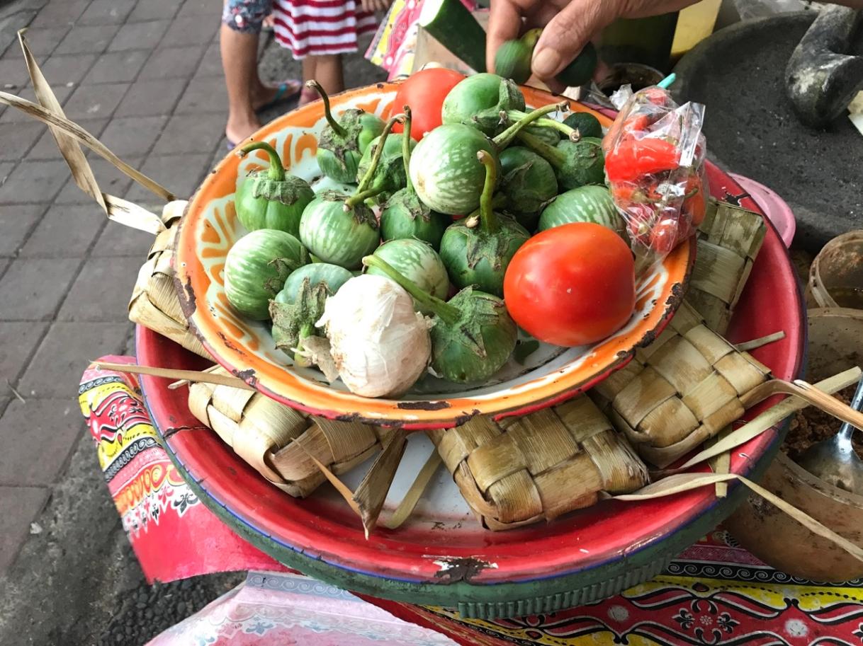 Tepat Cantok: Balinese sticky rice dish:)