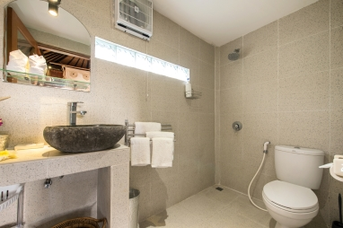 Enclosed ensuite bathroom.
